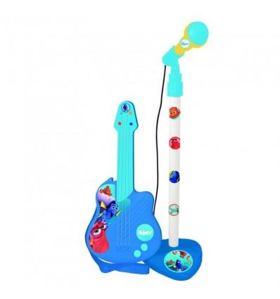 Micro y guitarra dory