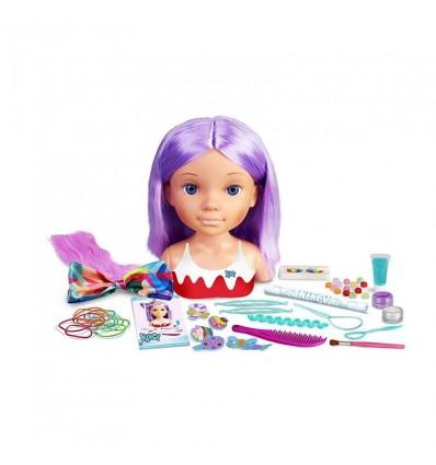 Nancy un Día de Secretos de Belleza violeta