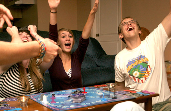 10 Juegos De Mesa Para Jugar Con Amigos Blog Palaciodeljuguete Com