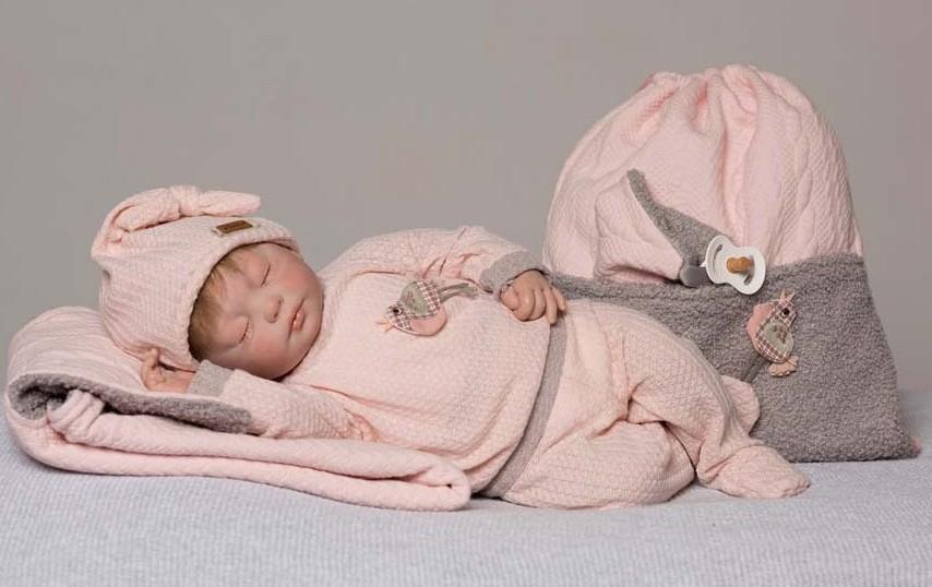 natali-conjunto-punto-rosa-y-blanco-bebe-reborn-palaciodeljuguete