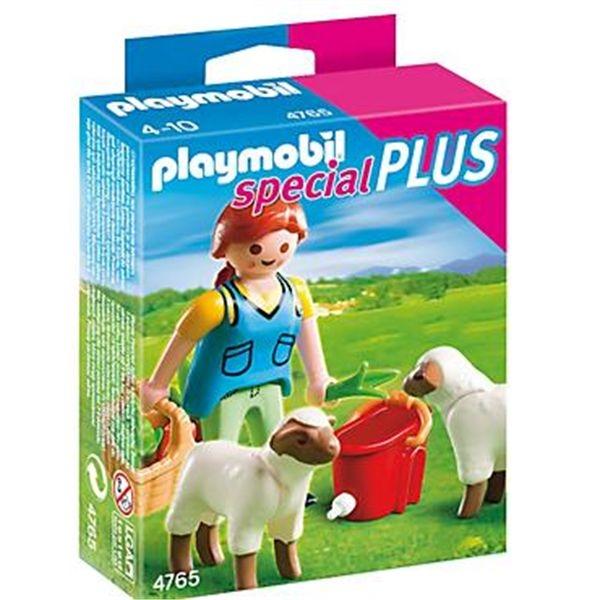 Recolectora con ovejas